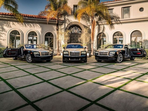 Rolls-Royce has prepared special cars for Chinese New Year