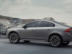 Volvo S60 Cross Country pic