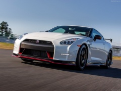 nissan gt-r nismo pic #131181