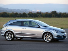 Opel Astra GTC pic