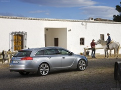 Opel Insignia Sports Tourer pic