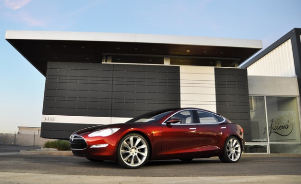 Tesla CEO Comes to Texas and Negotiates About Electric Vehicle
