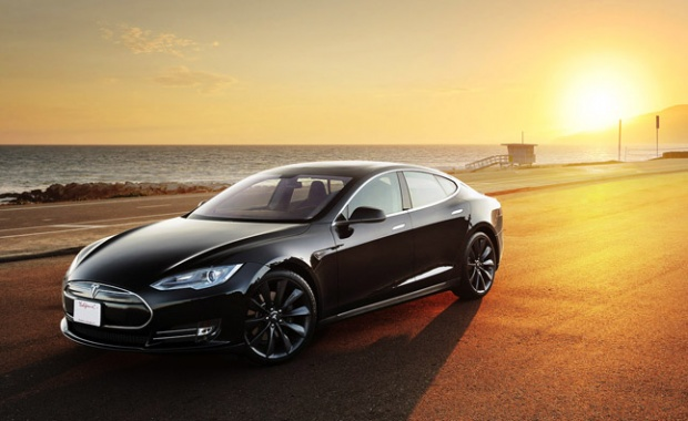 Tesla S Receives Fresh Service and Warranty Details