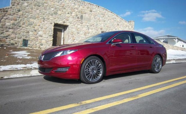 Lincoln MKZ At Last Fully Equipped at Dealers: Exec Informs