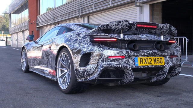 Paparazzi spied McLaren 675LT during its Testing