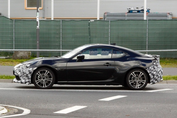 See the 2017 Toyota GT 86 Facelift
