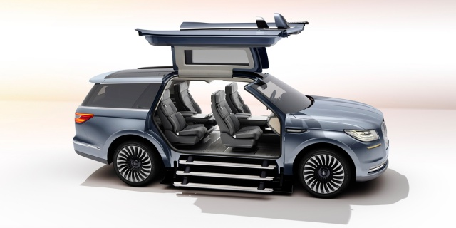 First Look of the 2018 Lincoln Navigator Concept