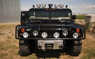Tupac's Hummer H1 will be auctioned