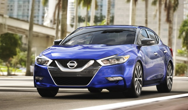 Apple CarPlay for 2017 Maxima from Nissan