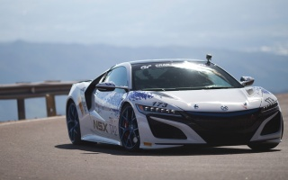 2017 Acura NSX Won at Pikes Peak