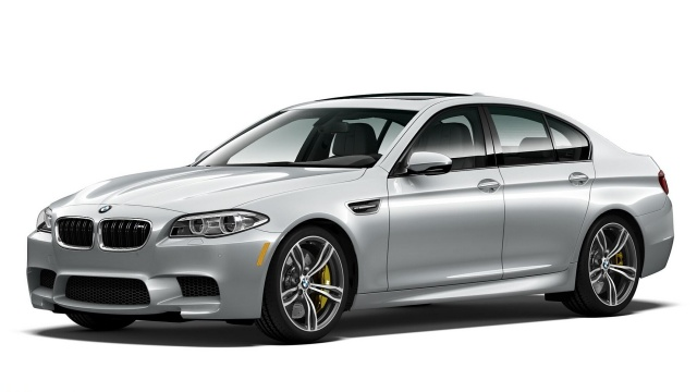 The M5 Pure Metal Silver from BMW Will Rock 600 HP in America