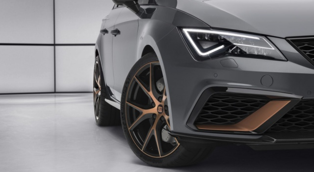 Seat prepares for Geneva a special 'hot' wagon