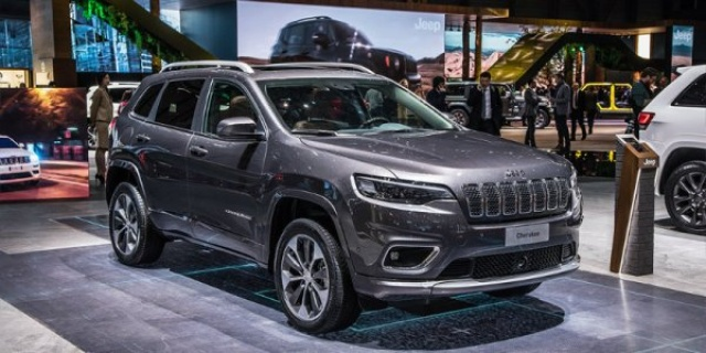 In the updated Jeep Cherokee appeared 3 four-wheel drive systems
