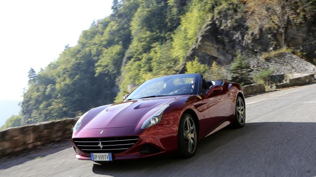 Ferrari returns one and a half thousand cars for repairs