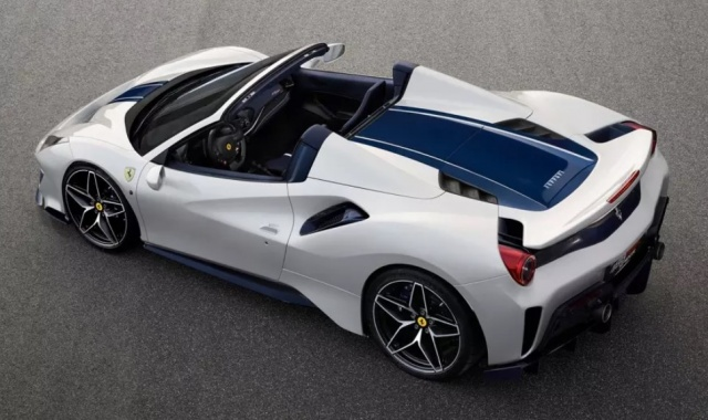 From extreme Ferrari 488 Pista removed the roof