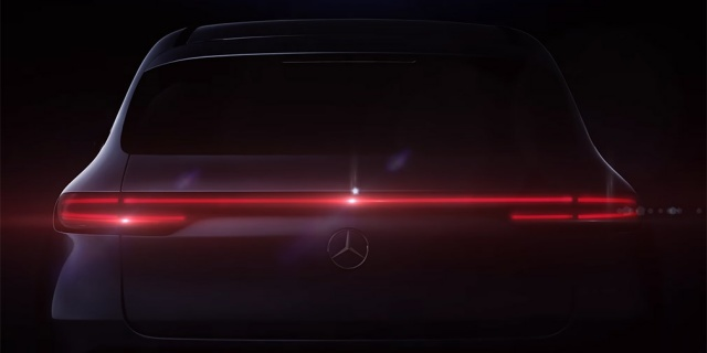 Mercedes-Benz demonstrates electric SUV (VIDEO)