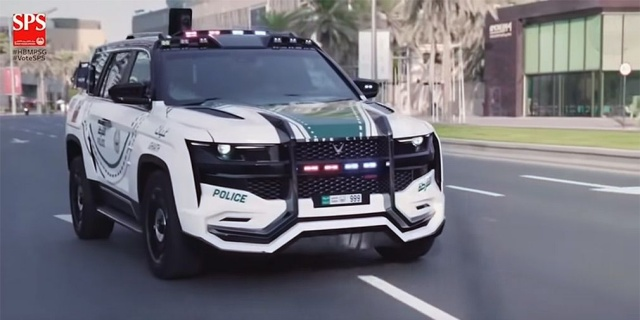 Dubai police transplanted to the 'most advanced patrol car'