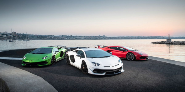 The evolution of Lamborghini Aventador in a 6-minute video