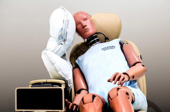Hyundai has demonstrated a new type of airbag