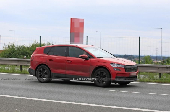 Electric Skoda Enyaq SUV declassified appearance