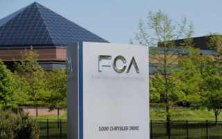Fiat Chrysler recalls nearly a million cars