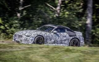 The new generation of Mercedes-Benz SL appeared in the photo