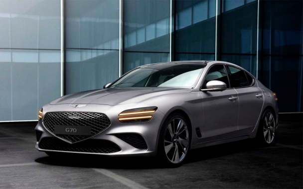 New photos of the updated Genesis G70