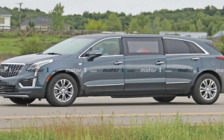 Strange Cadillac limousine caught on tests