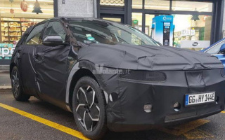 Hyundai Ioniq 5 SUV tested on Italian roads