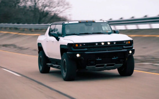 The prototypes of the Hummer pickup on video