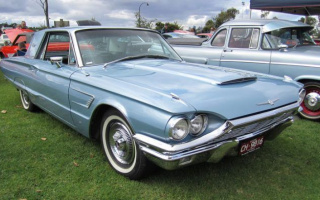 Ford is thinking again about the release of the legendary Thunderbird