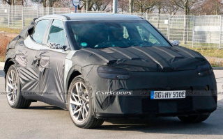Genesis' new SUV spotted on tests