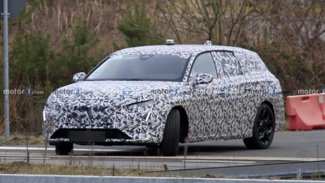 The spies spotted on tests the new Peugeot 308 SW