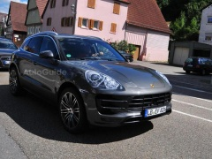 Porsche Macan Received Exclusive Sport Turismo Headlights pic #1665