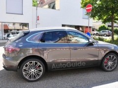 Porsche Macan Received Exclusive Sport Turismo Headlights pic #1666