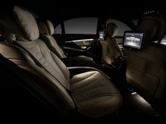The interior of the Mercedes S-class model of 2014 was shown