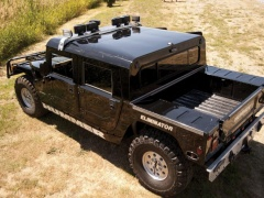 Tupac's Hummer H1 will be auctioned pic #5149