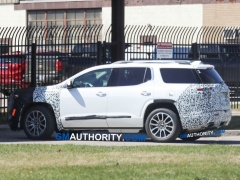 2020 GMC Acadia Was Caught While Testing The Mid-Cycle Refresh