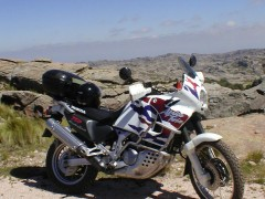 XRV 750 Africa Twin photo #25175