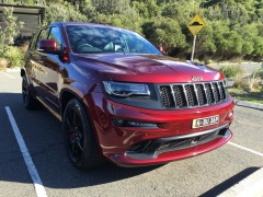 Grand Cherokee SRT photo #166199