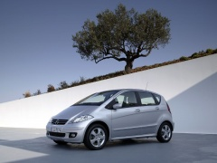 mercedes-benz a200 pic #11896