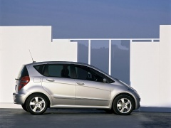 mercedes-benz a200 pic #11898