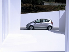 mercedes-benz a200 pic #11901
