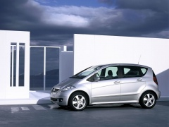 mercedes-benz a200 pic #11902