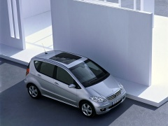 mercedes-benz a200 pic #11910