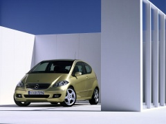 mercedes-benz a200 pic #11948