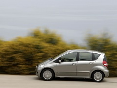 Mercedes-Benz A200 pic