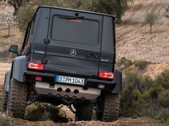 Mercedes-Benz G500 pic