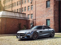 Mercedes-Benz AMG GT S UK-Version pic