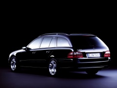 E-Class Estate photo #4585